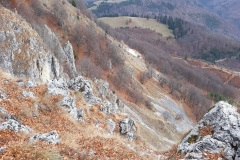 Peisaj-stancos-pe-traseu-in-Piatra-Dragoslavelor