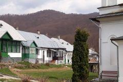 Manastirea-Suzana-de-pe-Valea-Teleajenului-1